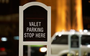 how-much-to-tip-valet-1-1